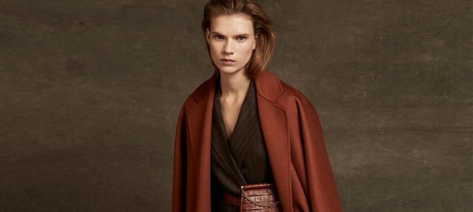 Devojka nosi Max Mara braon kaput