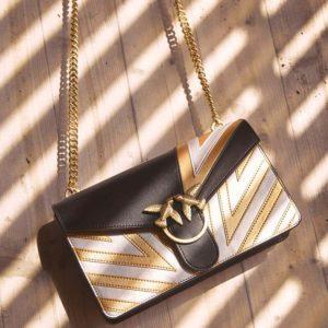 Pinko torbica crno bež sa zlatnim lancem